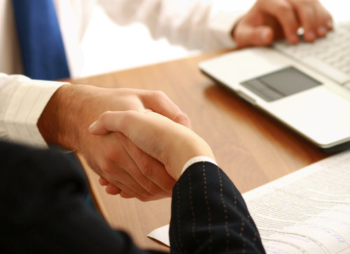 business_tech_consulting_handshake